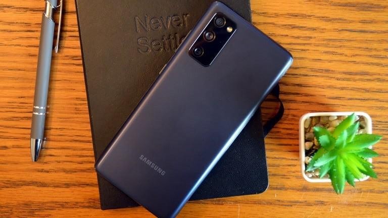 جالكسي إس 20 إف إي الافضل قيمة بين هواتف الجيل الخامس
