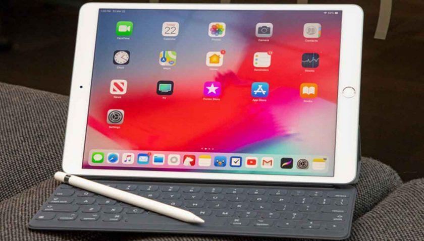 اير-باد-4-لوحة-المفاتيح-وقلم-الكتابة