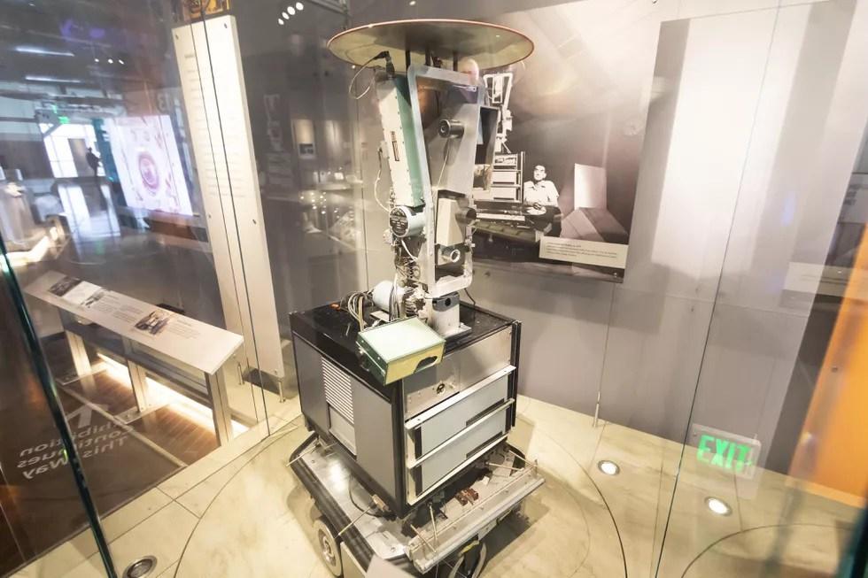 شاكي روبوت معهد أبحاث ستانفورد 1969
