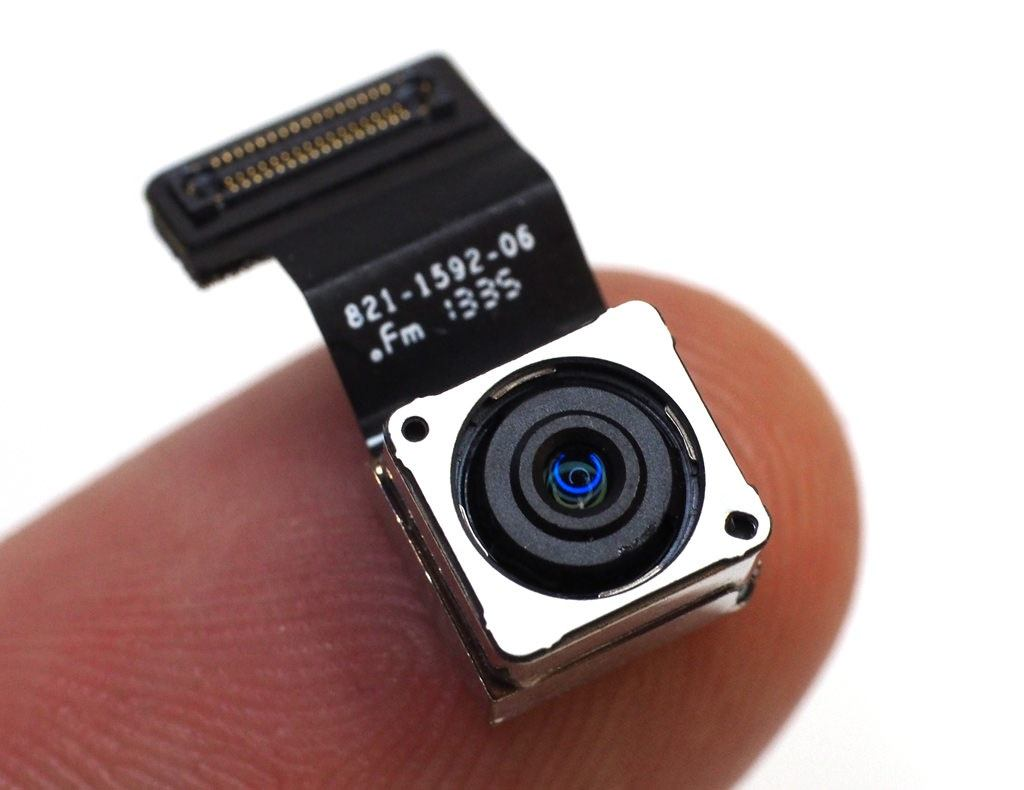كاميرا-الهاتف-الخالفية-كقطعة-منفصلة-بكابل-التوصيل